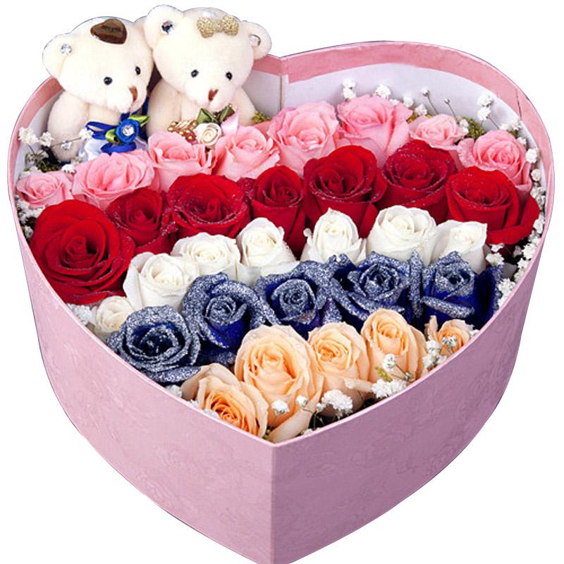 香槟玫瑰、蓝玫瑰、白玫瑰各7朵/彩虹之恋
