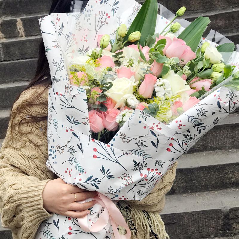 30支戴安娜粉玫瑰/时光恋人(熊抱花束)