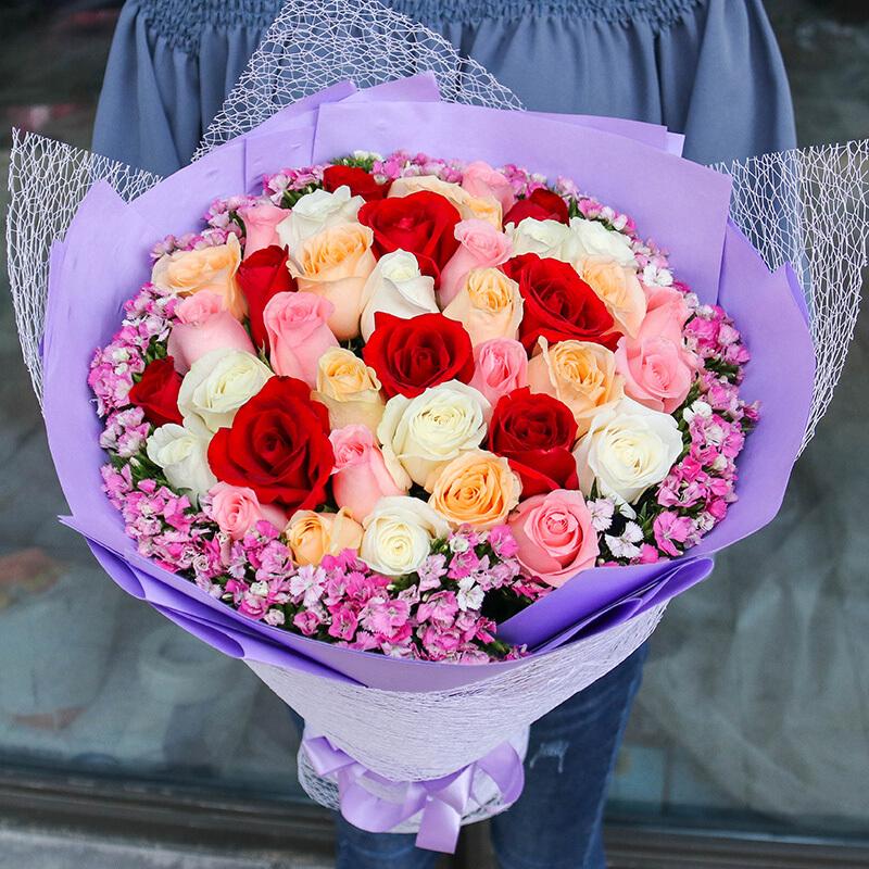33朵混色玫瑰(红+戴安娜粉+香槟+白)/灿烂爱情