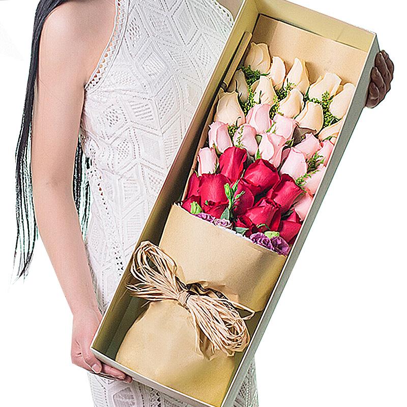 33朵玫瑰(11朵红11朵戴安娜粉11朵香槟)/捧在手心的爱